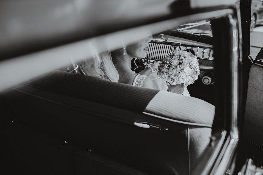 Fotograf kod kuće na dan venčanja ili ne?